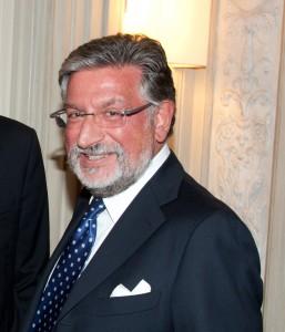 Nella foto, Mario Breglia