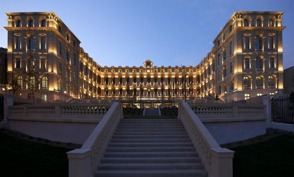 """L' Hotel industry guarda al futuro,  tra business in aumento e """" guerra digitale"""""""
