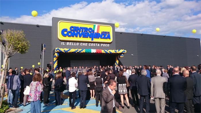 Cbre italia ha assistito pradera nella locazione a centro for Centro convenienza arredi palermo