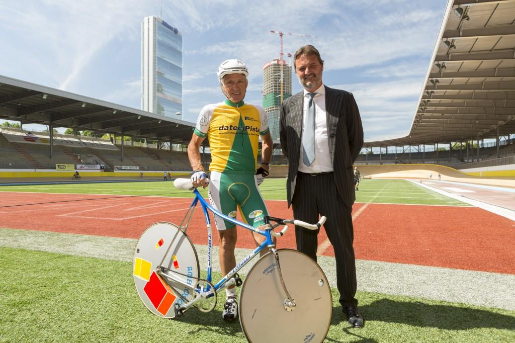 Nella foto,  Francesco  Moser con Armando  Borghi, CEO  di CityLife