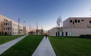 Il Presidente della Repubblica, Sergio Mattarella, ha inaugurato oggi  il nuovo Campus Humanitas University, alle porte di Milano : un investimento da  100 milioni di euro