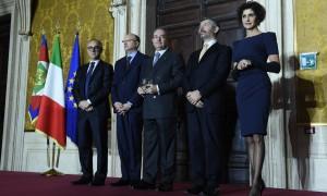 Premiaz_PaoloAstaldi_PresidenteAstaldi_DaSx_Scannavini_PresidenteICE_Boc...