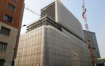"""""""Giardini d'Inverno"""" a Milano , completate le strutture portanti . In 14 mesi realizzati 16 piani fuori terra e sei interrati"""