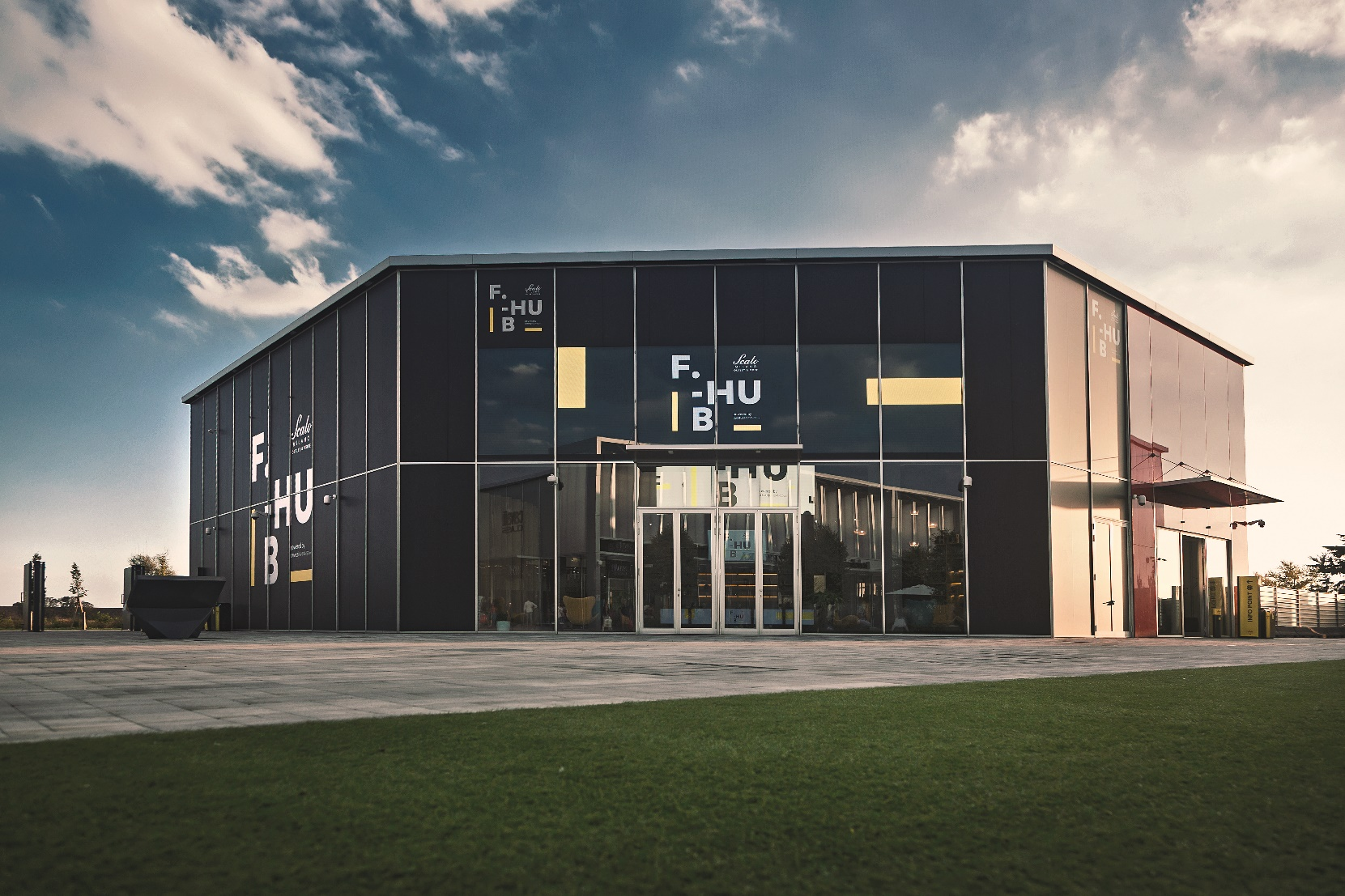 8cadb8371b Scalo Milano Outlet & More, il primo outlet cittadino a 15 minuti dal  centro di Milano, inaugura oggi F-Hub, una struttura unica nel suo genere,  ...