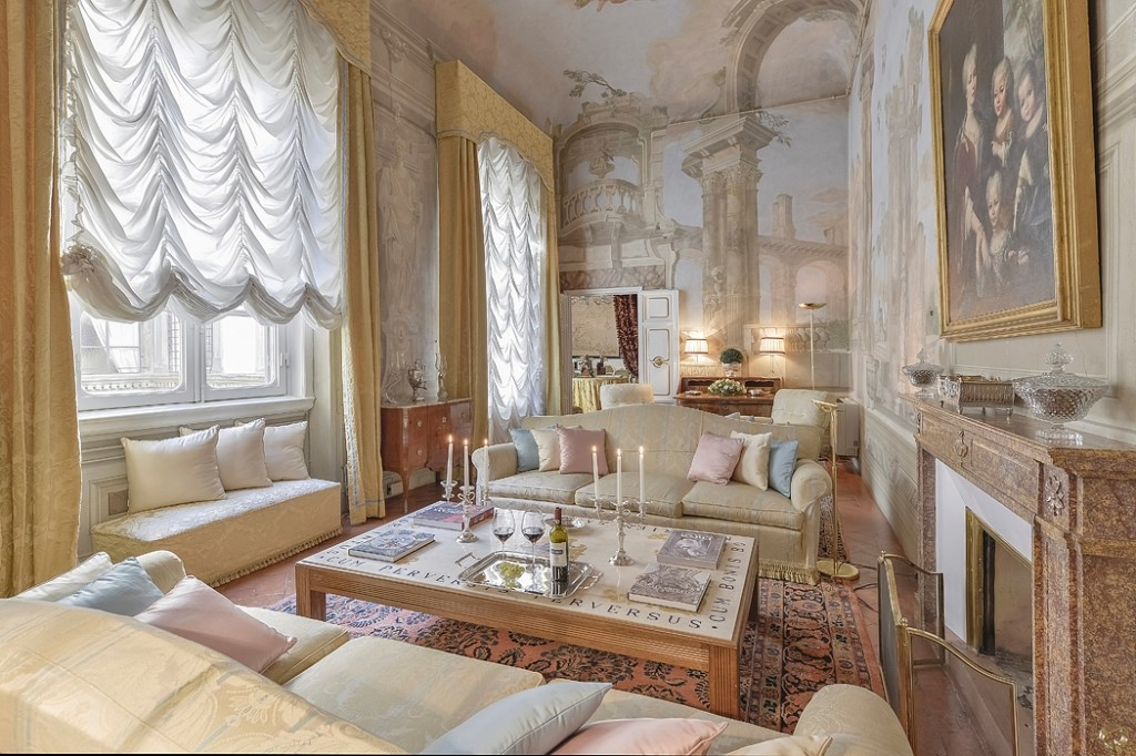 """Nell' immagine, una  """"  proposta""""  Halldis  a  Firenze"""